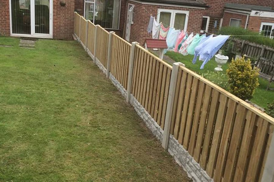 Wooden-Fence-Joiner-Sheffield